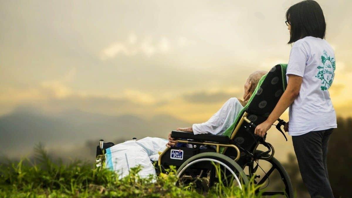 Best Reclining Wheelchair with Headrest