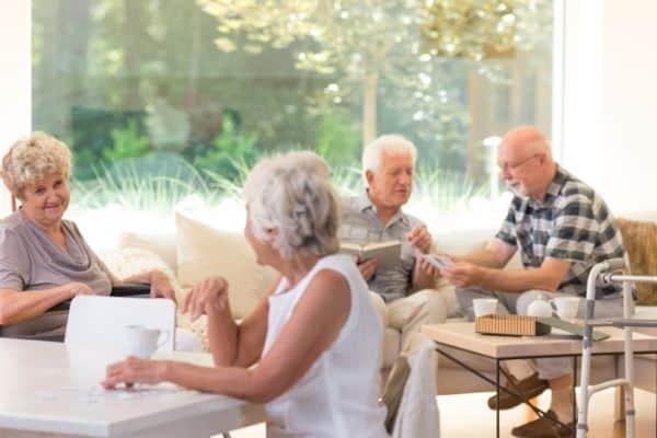 Elderly people living in a retirement community